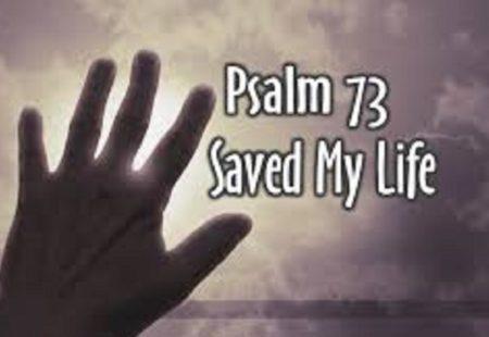 Chúa nắm tay con